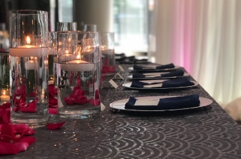 head table with candlelight