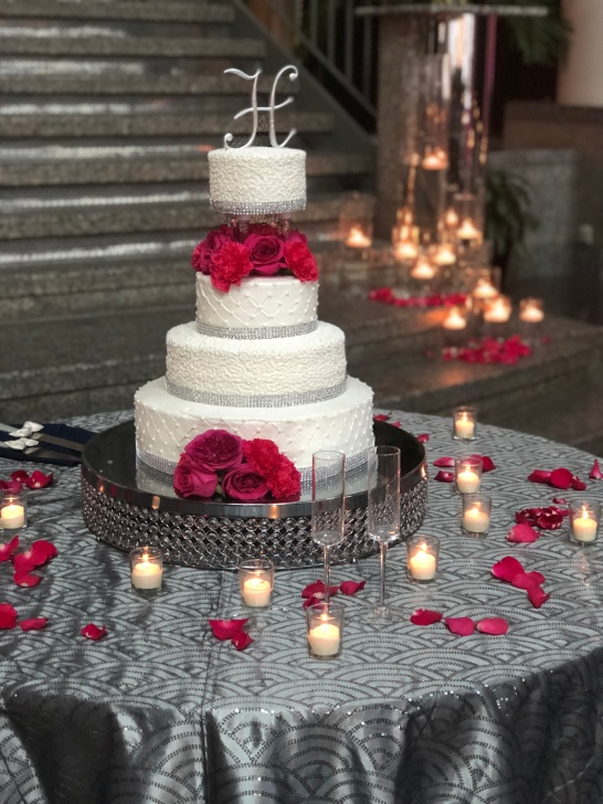 sparkling wedding cake